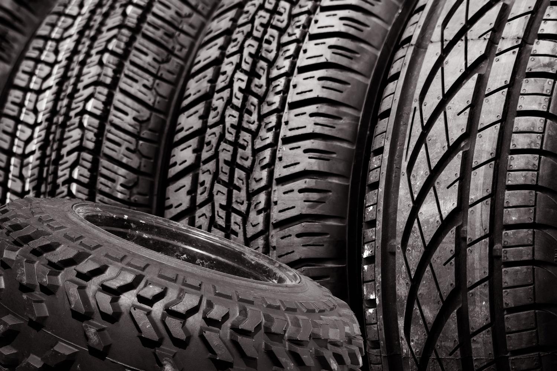 http://kolesospec.ru/tyres/kakie-shiny-luchshe-dunlop-i-yokohama.html