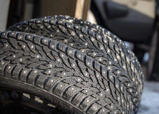 Шипованая шина