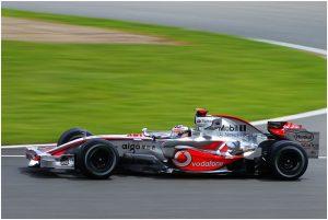 Использование дисков Enkei в гонках Формула-1 на автомобиле McLaren